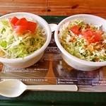 ルーラーズ タコライス - 料理写真:アボカドタコライス?だったかな、と、BBQタコライス(右)