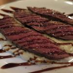 トラットリアチッチョ - 料理写真:カリッと仕上げた鴨胸肉のキャラメリゼ バルサミコ濃厚チーズリゾット
