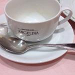 サロン・ド・テ アンジェリーナ - カップに何気にロゴが