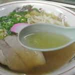 焼肉さわ - さわ・醤油ラーメン スープ(2014.06)