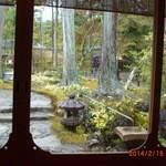 29892119 - 和室から見える庭