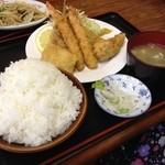 徳次郎食堂 - ミックスフライ定食