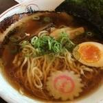 29896287 - 炙りチャーシューのせ醤油拉麺(690円)