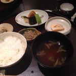 日本料理 太月 - こしひかりの御飯とジュンサイの味噌汁