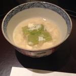 日本料理 太月 - 焚き物                           トウガンの煮物       夏らしく清涼感満載
