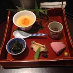 日本料理 太月 - 八寸                              アオリイカのめふん和え       鮑 ミニオクラ       生雲丹と茶碗蒸し       合鴨ロース       葉唐辛子