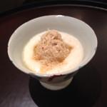 日本料理 太月 - 先付け       毛蟹とつくね芋のトロロ