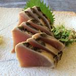 cafe&地魚料理 山源 - 鰹のタタキ