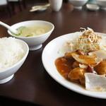 中国料理・珍 - カキ醤油煮込み定食全景です