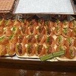 クーロンヌかしわ - 整然と並ぶサンドイッチ