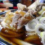 青柳食堂 - 肉うどんアップ