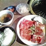 焼肉王ばんばん - 料理写真:お昼の定食(820円)