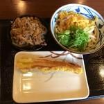 丸亀製麺 - 肉盛りぶっかけうどん