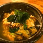 ホルモン清香園 - 石焼ビビンバを取り皿に取って、ワカメスープをかけたら、美味しかったですよ(^^)