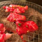 ホルモン清香園 - 炭火の網焼きで美味しくいただきました(^^)