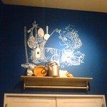 ムーミンオーロラカフェ - 壁面にムーミン