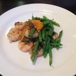 ジャスミンガーデン - 料理写真:海老とインゲンのトーチー炒め