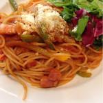 スパイラルカフェ - 完熟トマトのケチャップとお野菜のナポリタン