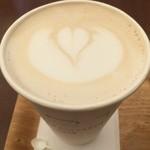 アクセント カフェ - チャイラテのホット 350円 ♥︎ ハートが可愛い♥︎