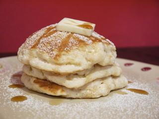 フラッフィー - バターミルクのパンケーキ650円