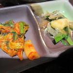 29967828 - 青菜と油揚げの煮びたし、キムチ