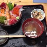 あかつ水産 - 料理写真:海鮮丼1200円税込