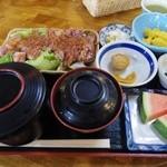 志奈野 - ステーキ定食