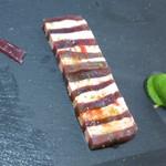 29985588 - オードブル フォアグラと鮪の漬け ピスタチオのアイスクリーム 赤玉葱
