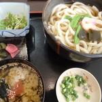 うどんや讃 - 暖かい饂飩と出汁茶漬けのセット(500円)