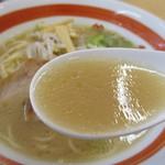 支那そば 三八 - スープ