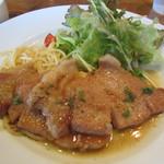 戎屋 - 濃厚な味の「豚の生姜焼」です。