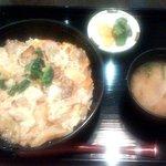 やきとり 鶏陣 - 炭火焼き親子丼