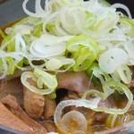 谷川岳パーキングエリア(下り線) スナックコーナー - 料理写真:430えん『もつ煮単体』2014.8