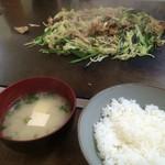 天下茶屋 - 野菜炒め、豚。激ウマでした!タレがすごかった!