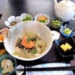 ウサ吉  - 料理写真:博多直送明太子とトロロ昆布!(2014,8/20)