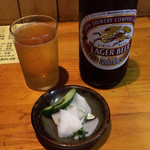 竹乃 - 瓶ビール 550円と御新香
