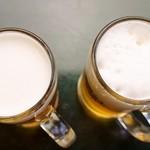 洋風居酒屋カルム - 料理写真:左が当店の生ビール、右が通常の注ぎ方の生ビール。このクリーミーさを感じて下さい。