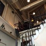 ジュディ カフェ - 階段を上がった2階にあります