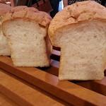 あらぱん - 国産小麦で作ったキノコ型の食パン ふんわり・もっちりとした食感です。