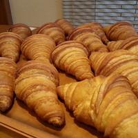 あらぱん - 国産小麦とフランス小麦で作ったクロワッサンはバターがたっぷり