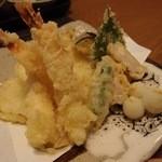 彦 - 天ぷら盛りを注文(1338円)