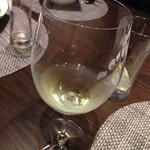 ルーロン - ボトルワインにしました。銘柄忘れたけど美味しかった!蝶のイラストのラベルでした。