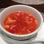 ルーロン - フカヒレ入りトマトと玉子のスープ
