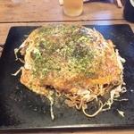 下の町 晋 - お好み焼き<肉玉そば>(650円)
