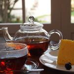 テ ジャルダン - 料理写真:しっとりしたシフォンケーキにお好みのお紅茶を合わせていただいたり、お得なケーキセット!!もちろん、お好きなお飲み物と合わせていただいてもOKです。