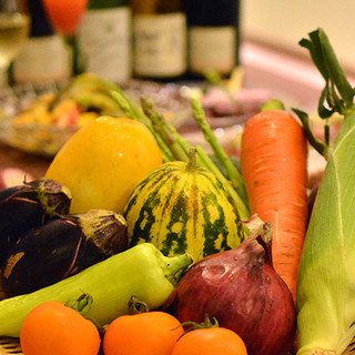 ◆自家農園からお届けする色彩々のお野菜をぜひご堪能ください◆