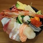 30050135 - 特上海鮮丼1058円