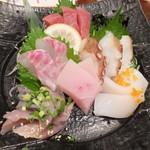 30052481 - 本日の刺身定食¥1000(税込み)
