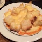 30055092 - たっぷりチーズのパン