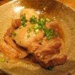 名古屋めし居酒屋てしごと家 - 豚の角煮と里芋の煮物。
